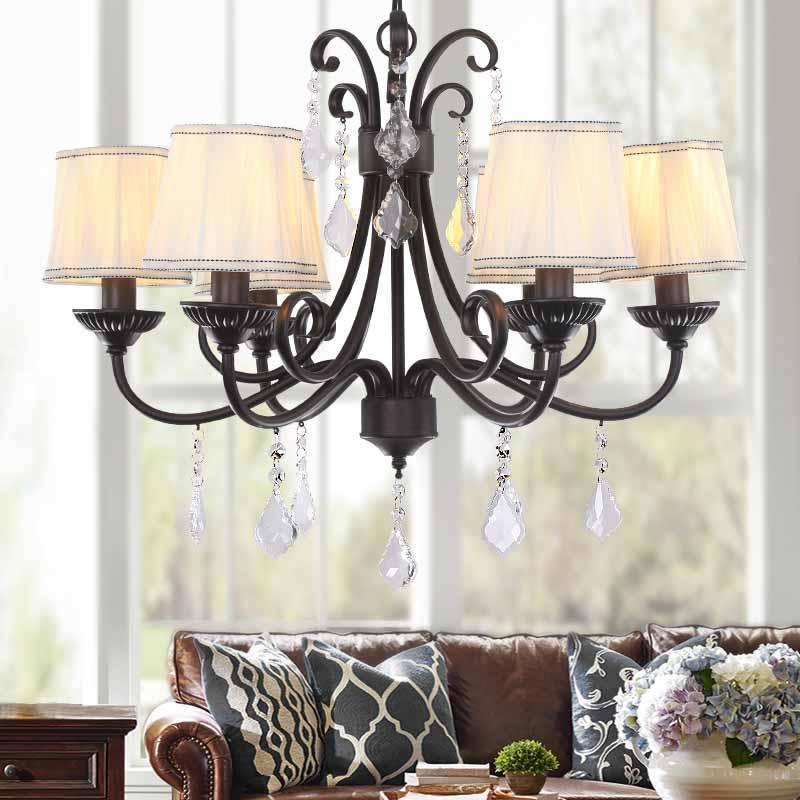 Люстра в будинку – в ньому завжди світло